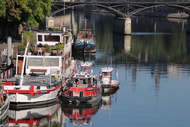 Les meilleurs bateaux à louer à Paris pour une balade